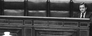 Adolfo Suárez en su escaño en el Congreso de los Diputados, 23 de febrero 1981