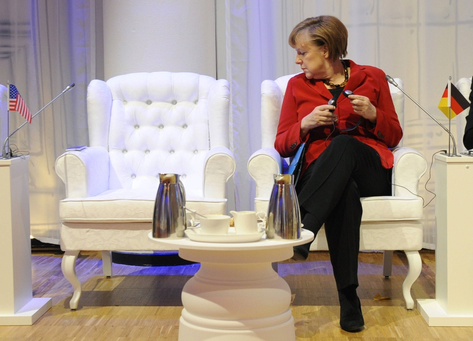 Angela Merkel esperando a Barack Obama
