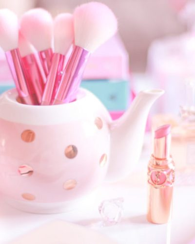 Absolute Must Haves For The Beauty Girl In Your Life