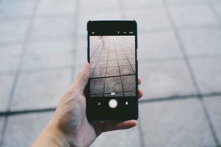 Guide des Meilleurs Smartphones à Moins de 100 Euros