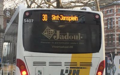 'De Lijn' campagne zet opening toonzaal Jadoul, Vlaamsekaai 28 in de kijker