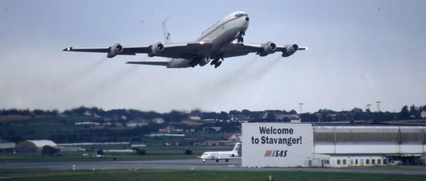 YR-ABB fløy charter fra Stavanger til Romania i 1994. Bildet er tatt på Sola i Juli 1994.