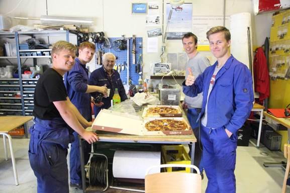 Fra Venstre Emil Øvrebotten, Eirik Lund, Gordon Bore, Jon Olav Molin og Oliver Jennings.