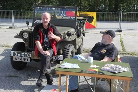 Historiske Militære Kjøretøyers Forening stilte med en jeep