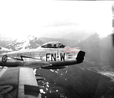 Som jagerflyger fløy Michael både F-84G Thunderjet og F-86F Sabre i 331 skvadron fra Bodø. Her ser vi sistnevnte flytype.