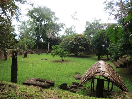 Mayan Plaza Nim Li Punit