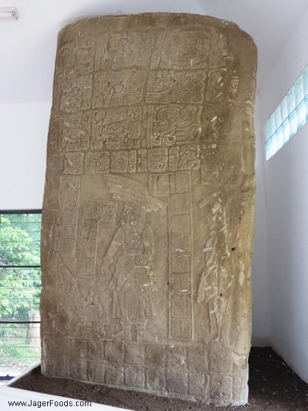 Nim Li Punit Big Head Monument