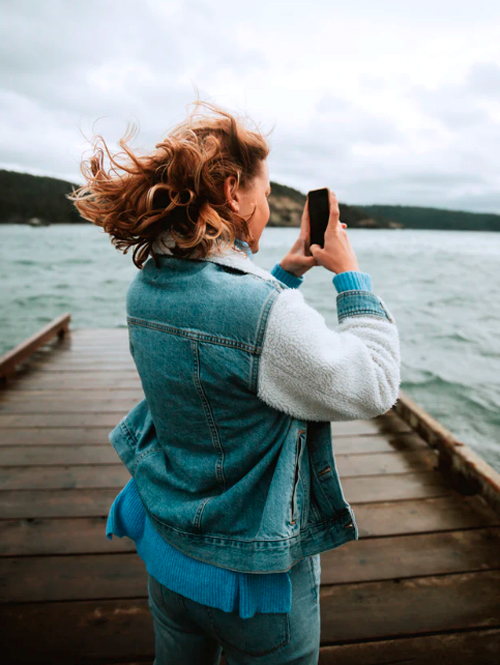 Taking photos while traveling the world