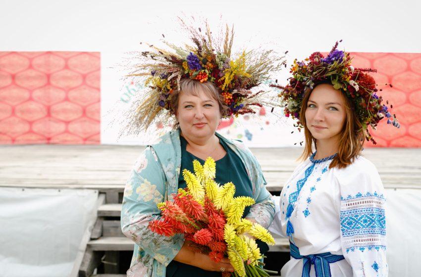 Ягідний ярмарок, малиновий пиріг рекордного розміру. Чим ще здивував фестиваль «Брусвяна Україна 2020»