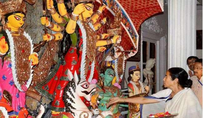 दुर्गा प्रतिमा विसर्जन पर रोक को हाईकोर्ट ने हटाया