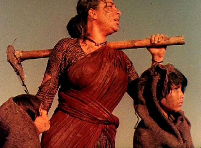 ऑस्कर तक पहुंचने वाली पहली भारतीय फ़िल्म 'मदर इंडिया' के 60 साल पूरे, देखें तस्वीरें