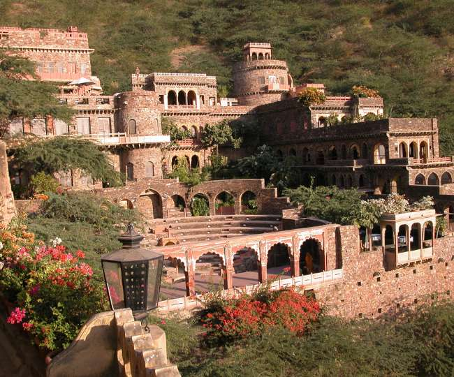 Bhangarh fort, the less explored places of India