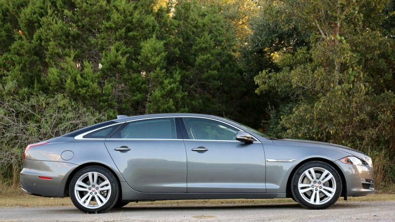 2016-jaguar-xj-l-portfolio-review-photos-jaguarforums-7