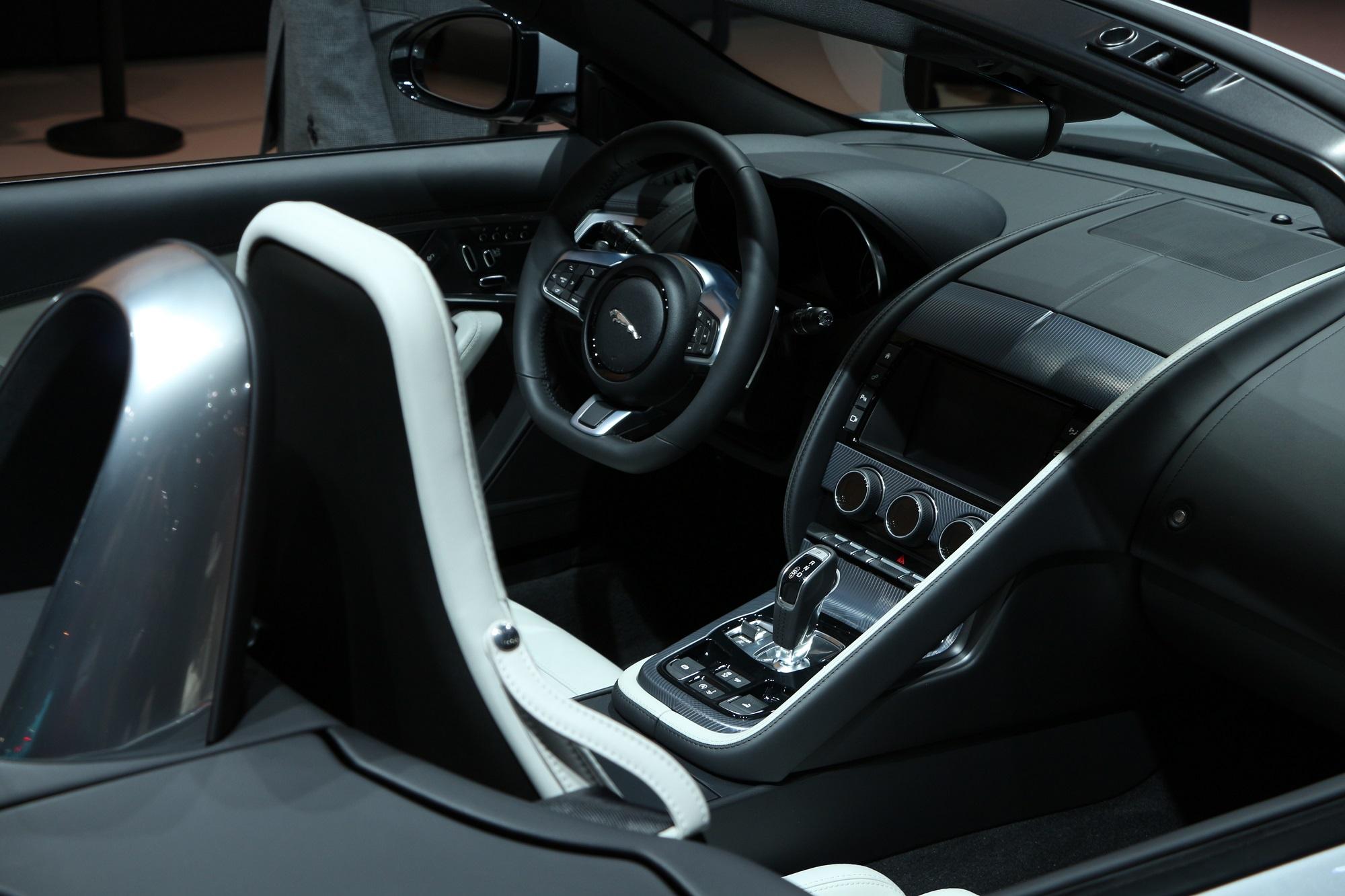 Jaguarforums.com F-Type R SVR LA Los Angeles Auto Show 2017 2018