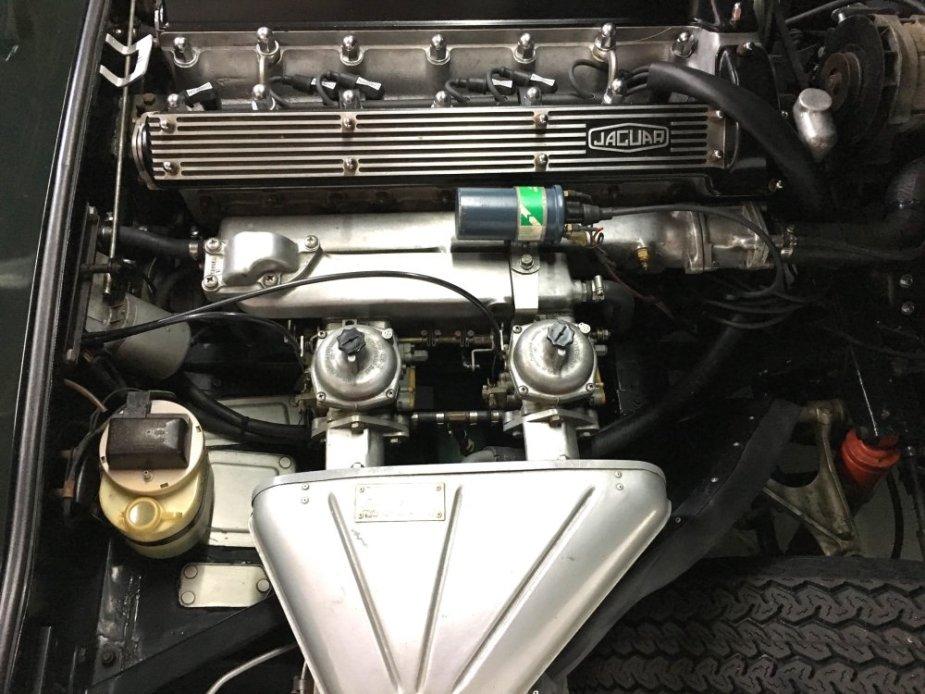 XKE 4.2 Engine