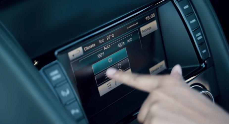 Jaguar F-Type Infotainment Screen