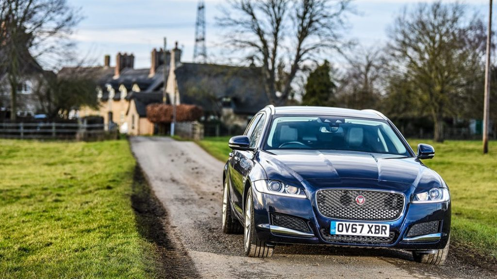 Jaguar XF Sportbrake: Eindhoven and back on a tank