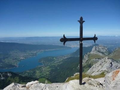 croix au sommet de la Tournette