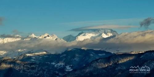 hiver enneigé sur les sommets des Alpes