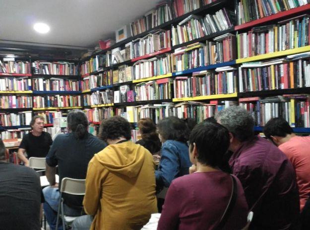 Jaime Gonzalo en Librerías La Fuga (Sevilla, 15 de octubre de 2015). Foto: Librerías La Fuga (Twitter)