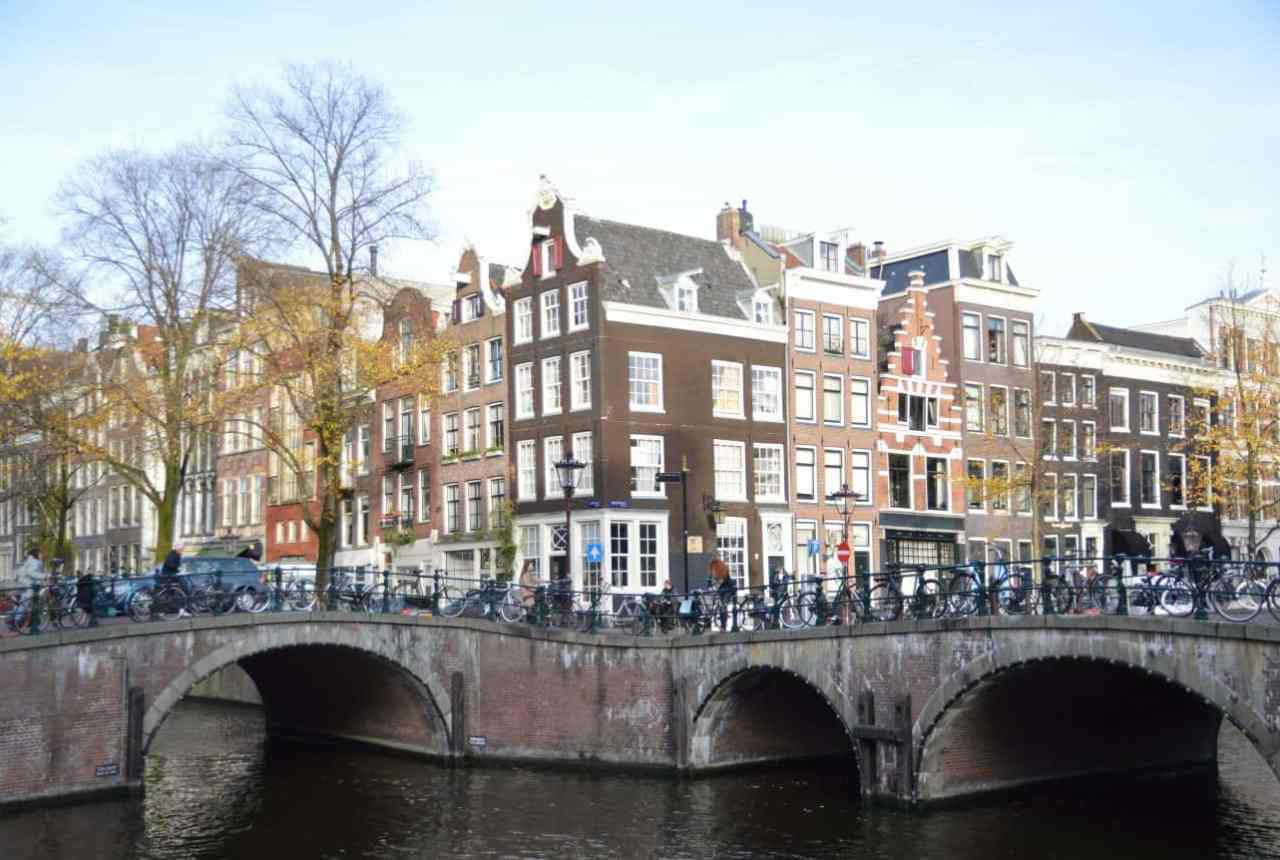 Amsterdam Canals | Travel Blogger | Quiet Travel | Solo Dining in Amsterdam: Where to go DIning Alone