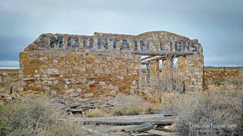 Abandoned places near me| abandoned places to explore near me | JaimeSays Travel and Lifestyle Blogger | Two Guns, AZ