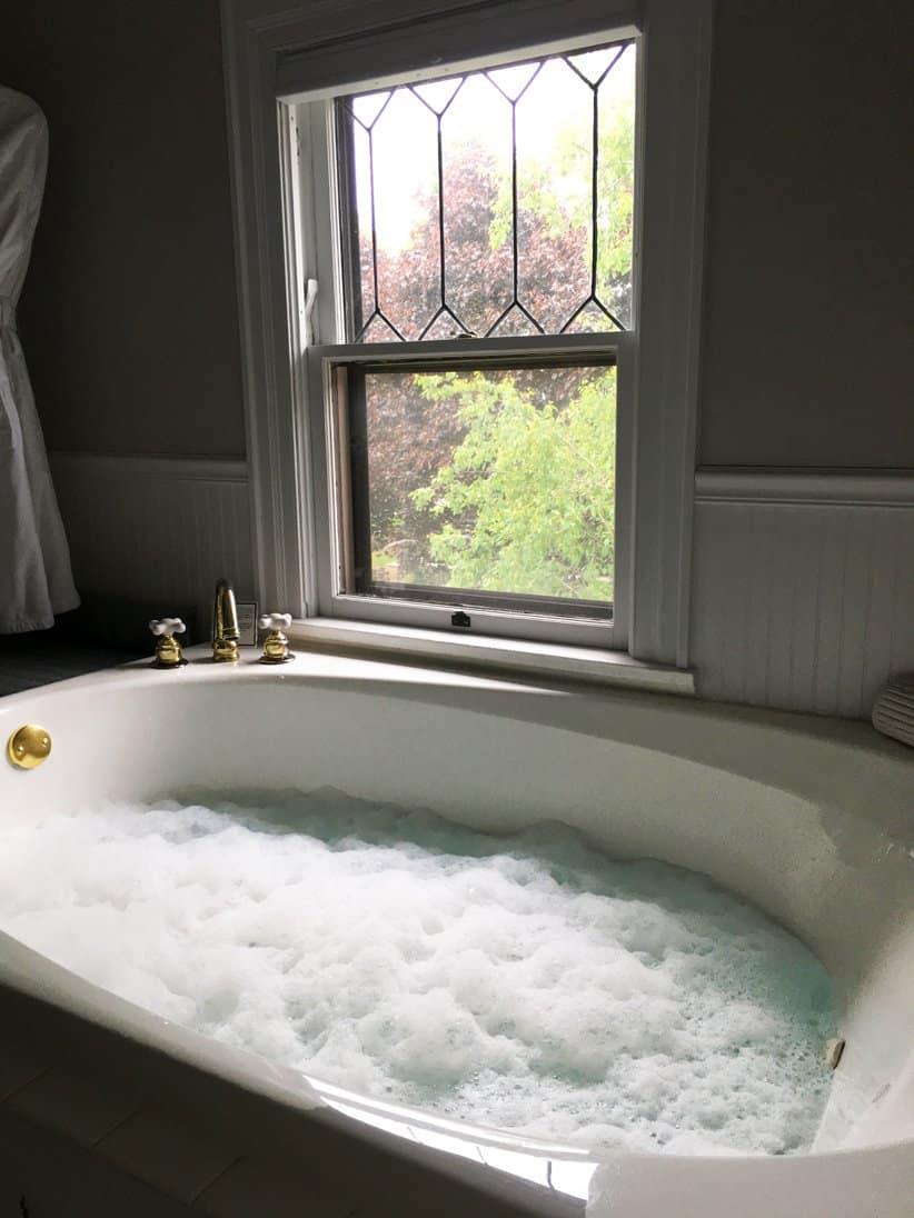Bath of Ansel Adams Room | Ludington MI Hotels | The Lamplighter Inn | Lamplighter Bed and Breakfast | Ludington Hotels | Western Michigan | Waterfront Michigan | Lake Michigan Bed and Breakfast
