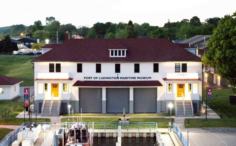Ludington MI Hotels | The Lamplighter Inn | Lamplighter Bed and Breakfast | Ludington Hotels | Western Michigan | Waterfront Michigan | Lake Michigan Bed and Breakfast