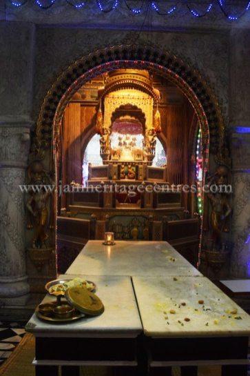 West-Bengal-Kolkata-Chitpur-Mahavir-Digambar-Jain-Temple-0004