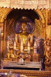 West-Bengal-Kolkata-Chitpur-Mahavir-Digambar-Jain-Temple-0009