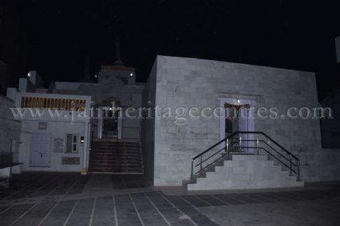 ancient_digambar_jain_temple_-_gogha_-_gujarat_20160517_1434817323