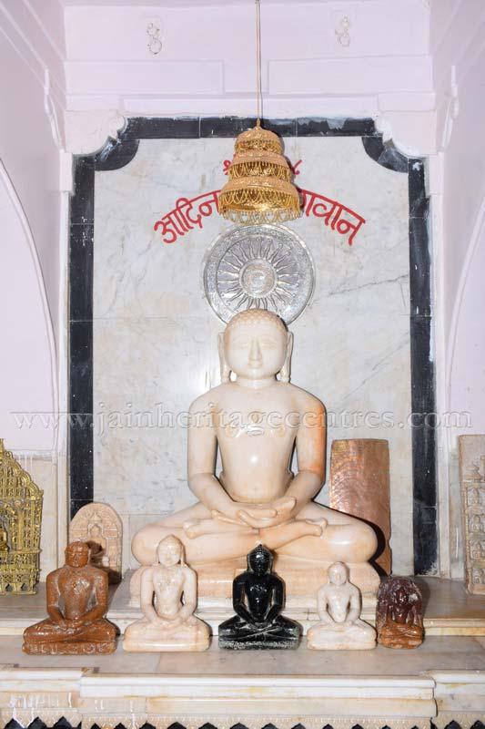 ancient_digambar_jain_temple_-_gogha_-_gujarat_20160517_1917257745