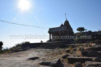 sri_chandraprabhu_digambar_jain_temple_at_pavagadh_20160917_1437721220