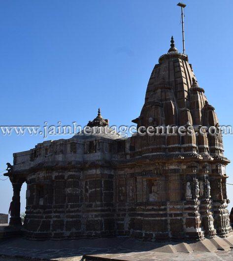 sri_chandraprabhu_digambar_jain_temple_at_pavagadh_20160917_2051843681
