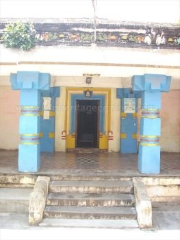 ancient_sri_vijaya_parshwanatha_swamy_temple_chamarajanagar_20120907_1649193125