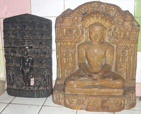 ancient_sri_vijaya_parshwanatha_swamy_temple_chamarajanagar_20120907_1935398638