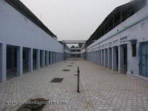 hastinapur_-_badamandir_complex_20111021_1132241614
