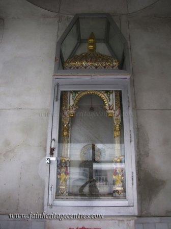 hastinapur_-_badamandir_complex_20111021_1221772161