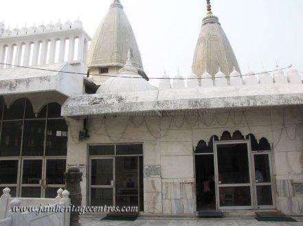 hastinapur_-_badamandir_complex_20111021_1564958998