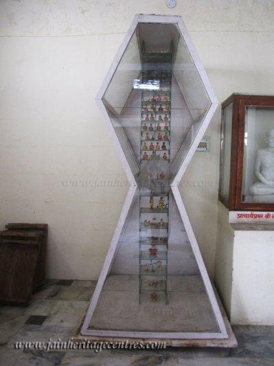 hastinapur_-_jambudweep_complex_20111021_1960769143