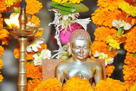 mahavir_jayanthi_-_2012_by_akhila_karnataka_jain_sangh_mumbai_photo_courtesy_daijiworldcom_20120426_1457047403