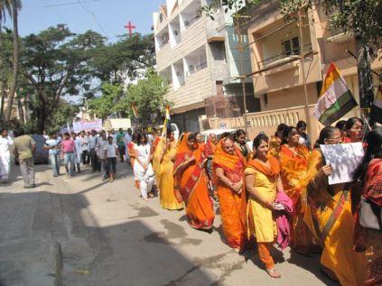 protest_at_bangalore_against_the_attack_on_jain_muni_at_girnar_20130106_1107286579