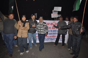 protest_held_at_ghaziabad_against_girnar_incident_january_5_2013_20130109_2059815707