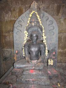 sri_suparshwanatha_swamy_digambar_jain_temple_bastimakki_10_20120828_1212886181