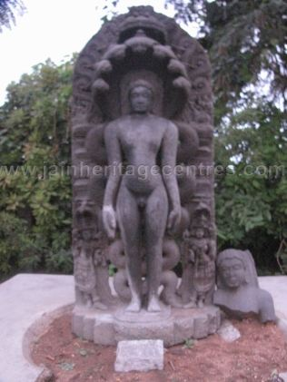 sri_chandranath_swamy_digambar_jain_temple_kelasuru_20131128_1585509727