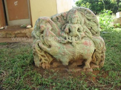 jain_ruins_of_kumarabeedu_mysore_district_karnataka_20131216_1130238727