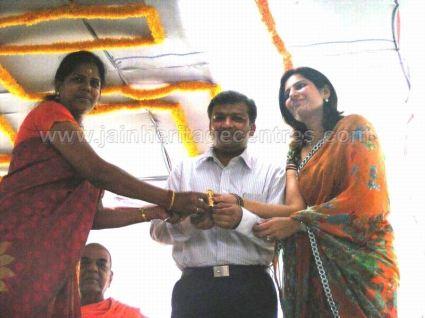 sudhir_lodhas_felicitation_by_tamil_jain_community_20140205_1409573299