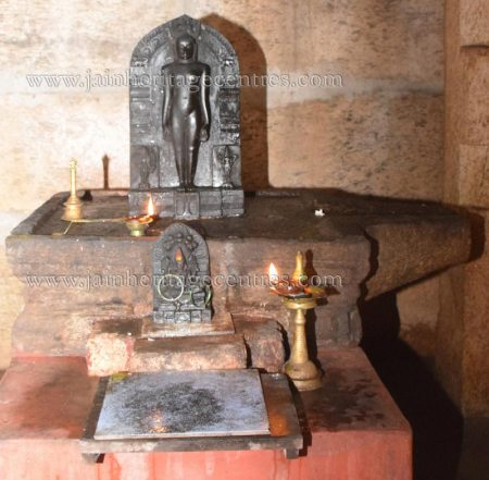 sri_sheetalanath_swamy_digambar_jain_temple_uttameshwara_20141116_1386948860