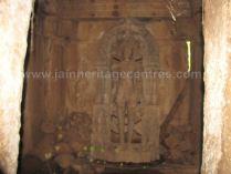 ruined_parshwanath_swamy_temple_makodu_makod_20131018_1825359783