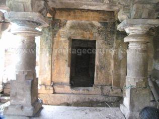 ruined_parshwanath_swamy_temple_makodu_makod_20131018_1904177346
